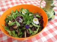 Summer garden salad - with edible flowers!
