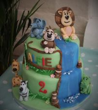Animals for a birthday cake