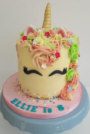 Unicorn-cake-simply-delish-lambourn-ibelieveinunicorns